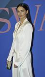 Adriana Lima Photo - Photo by Patricia SchleinstarmaxinccomSTAR MAX2017ALL RIGHTS RESERVEDTelephoneFax (212) 995-11966517Adriana Lima at The 2017 CFDA Fashion Awards in New York City