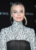 Margot Robbie Photo - Photo by gotpapstarmaxinccomSTAR MAX2018ALL RIGHTS RESERVEDTelephoneFax (212) 995-11965818Margot Robbie at the premiere of Terminalin Los Angeles CA