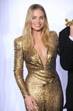 Margot Robbie Photo - Photo by KGC-136starmaxinccomSTAR MAXCopyright 2016ALL RIGHTS RESERVEDTelephoneFax (212) 995-119622816Margot Robbie at the 88th Annual Academy Awards (Oscars)(Hollywood CA USA)