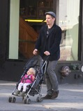 Jane Hawking Photo - Ethan Hawke daughter7539JPGNYC  101010EXCLUSIVE Ethan Hawke and daughter Clementine Jane Hawke (2 years old) walking home from a playground in the West VillageEXCLUSIVE photo by Adam Nemser-PHOTOlinknet