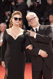 Thierry Fremaux Photo - VENICE ITALY - SEPTEMBER 03 Thierry Fremaux and Susan Sarandon walk the red carpet ahead of the The Leisure Seeker (Ella  John) screening during the 74th Venice Film Festival at Sala Grande on September 3 2017 in Venice Italy(Photo by Laurent KoffelImageCollectcom)