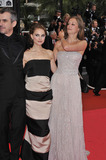 Alfonso Cuaron Photo - Jurors Alexandra Maria Lara Natalie Portman (centre)  Alfonso Cuaron at the closing gala ceremony at the 61st Annual International Film Festival de Cannes May 25 2008  Cannes FrancePicture Paul Smith  Featureflash