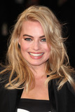 Margot Robbie Photo - Margot Robbie arriving for the Focus Premiere at Vue West End London 11022015 Picture by Alexandra Glen  Featureflash