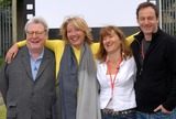 Alan Parker Photo - London UK  Director Sir Alan Parker actress Emma Thompson director Beeban Kidron and actor Jason Isaacs at Film Club photocall at Morpeth School Portman Place 12th June 2008Chris JosephLandmark Media