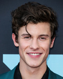 David Yurman Photo - NEWARK NEW JERSEY USA - AUGUST 26 Singer Shawn Mendes wearing a Dolce and Gabanna suit YSL shoes and David Yurman jewelry arrives at the 2019 MTV Video Music Awards held at the Prudential Center on August 26 2019 in Newark New Jersey United States (Photo by Xavier CollinImage Press Agency)