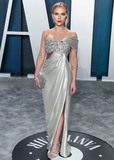 Scarlett Johansson Photo - BEVERLY HILLS LOS ANGELES CALIFORNIA USA - FEBRUARY 09 Actress Scarlett Johansson wearing Oscar de la Renta with Forevermark jewelry arrives at the 2020 Vanity Fair Oscar Party held at the Wallis Annenberg Center for the Performing Arts on February 9 2020 in Beverly Hills Los Angeles California United States (Photo by Xavier CollinImage Press Agency)