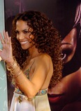 Halle Berry Photo - Catwoman World Premiere at Cinerama Dome Theatre Hollywood CA 07192004 Photo by Fitzroy BarrettGlobe Photos Inc 2004 Halle Berry