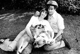 Daryl Dragon Photo - Toni Tennille and Daryl Dragon at Home Captain and Tennille 1977 28452 Suzanne MurphyGlobe Photos Inc