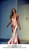 Anne Klein Photo - Anne Klein Fall Fashion Show 95 Niki Taylor Photo by Walter WeissmanGlobe Photos Inc