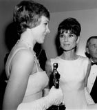 Audrey Hepburn Photo - Julie Andrews with Her Oscar Statue For Mary Poppins and Audrey Hepburn 1965 Photo by Nate Cutler-Globe Photos Inc