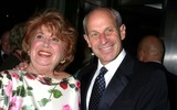 Jonathan Tisch Photo - the Museum of Modern Art Honors Joan Tisch and Sarah Jessica Parker at the 38th Annual Party in the Garden-outside Arrivals Moma  New York City 06-06-2006 Photo by Paul Schmulbach-Globe Photos Jonathan Tisch Beverly Sills