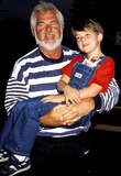Kenny Rogers Photo - Kenny Rogers and Family Photo Byphil RoachipolGlobe Photos Inc