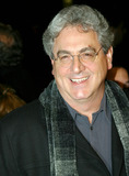 Harold Ramis Photo - Sd1202 World Premiere of Analyze That at the Ziegfeld Theatre in New York City to Benefit the Children of Bellevue Inc Photo Byrick MacklerrangefinderGlobe Photos Inc 2002 Director Harold Ramis