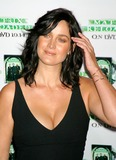 Carrie-Anne Moss Photo 3