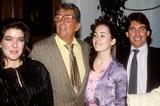 Dean Martin Photo - Dean Martin with Ricci Martin Jeanne and Courtney Calahan 02-1985 Photo by Michelson-Globe Photos