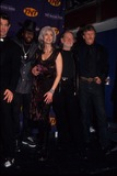Johnny Cash Photo - Emmylou Harris with Chris Isaak  Wyclef Jean  Willie Nelson and Kris Kristofferson at the Johnny Cash Tribute  Hammerstein Ballroom 1999 K15253smo Photo by Sonia Moskowitz-Globe Photos Inc