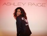 Ashley Paige Photo - Ashley Paige Spring 2006 Collection - Front Rowbackstage Mercedes-benz Spring 2006 LA Fashion Week Smashbox Studios Culver City CA 10-18-2005 Photo Clintonhwallace-photomundo-Globe Photos Inc Janice Dickinson