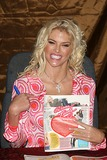 Anna Nicole Smith Photo 3